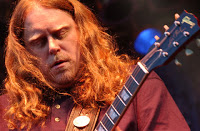 Warren Haynes doesn't play Guitar hero... 1 image