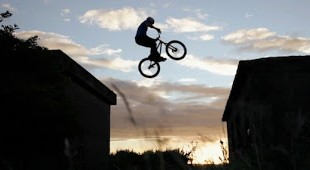 "WEB: XTREME #02 - Danny MacAskill ""Way Back Home"" 1 image"