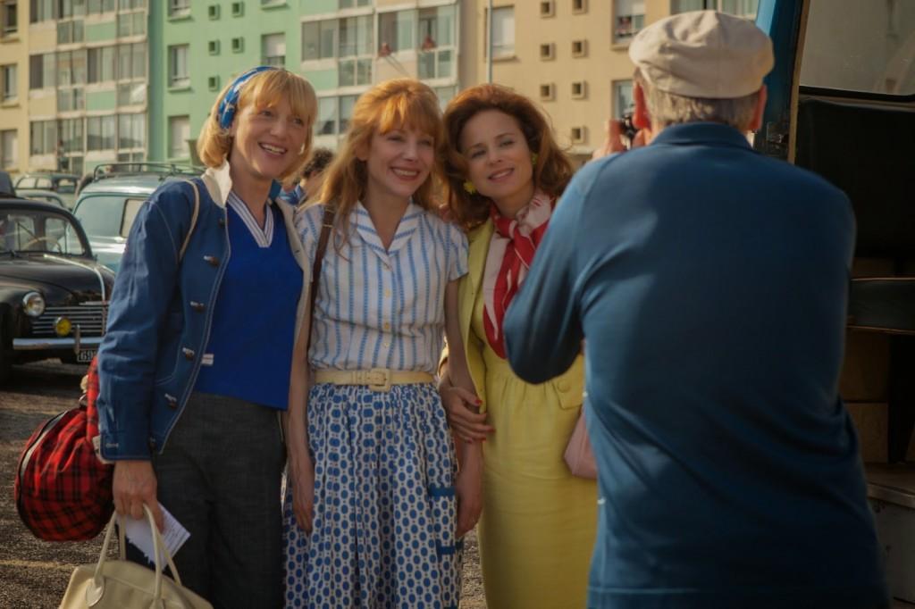 <i>À la vie</i> (2014), histoire des Trois Glorieuses / story of the Three Glorious Women 4 image