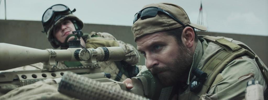 <i>American Sniper</i> (2014), l'homme derrière le fusil / the man behind the gun 3 image