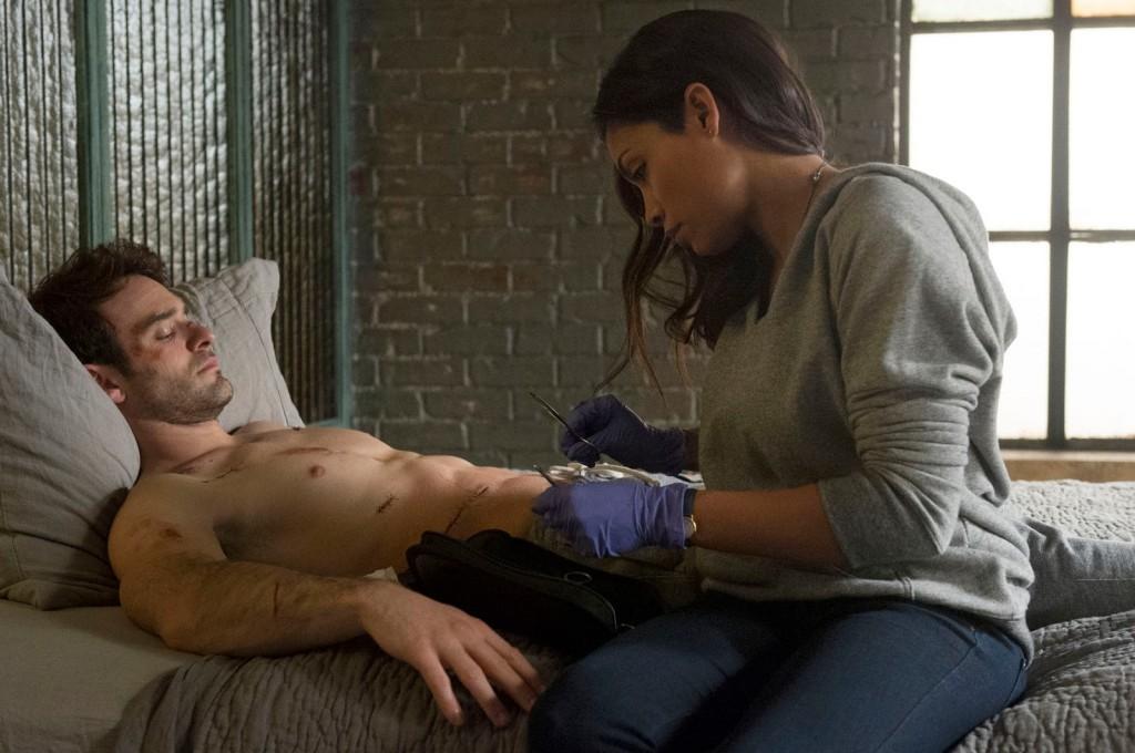 """[Critique] """"Daredevil"""" saison 1 : Une série coups de poing ! 2 image"""