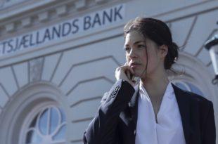 Follow The Money Les Initiés saison 1 image série télé