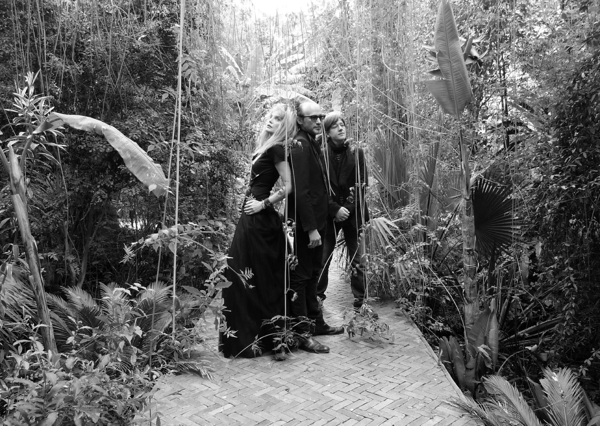 arielle-dombasle-nicolas-ker-album-la-riviere-atlantique-image-1