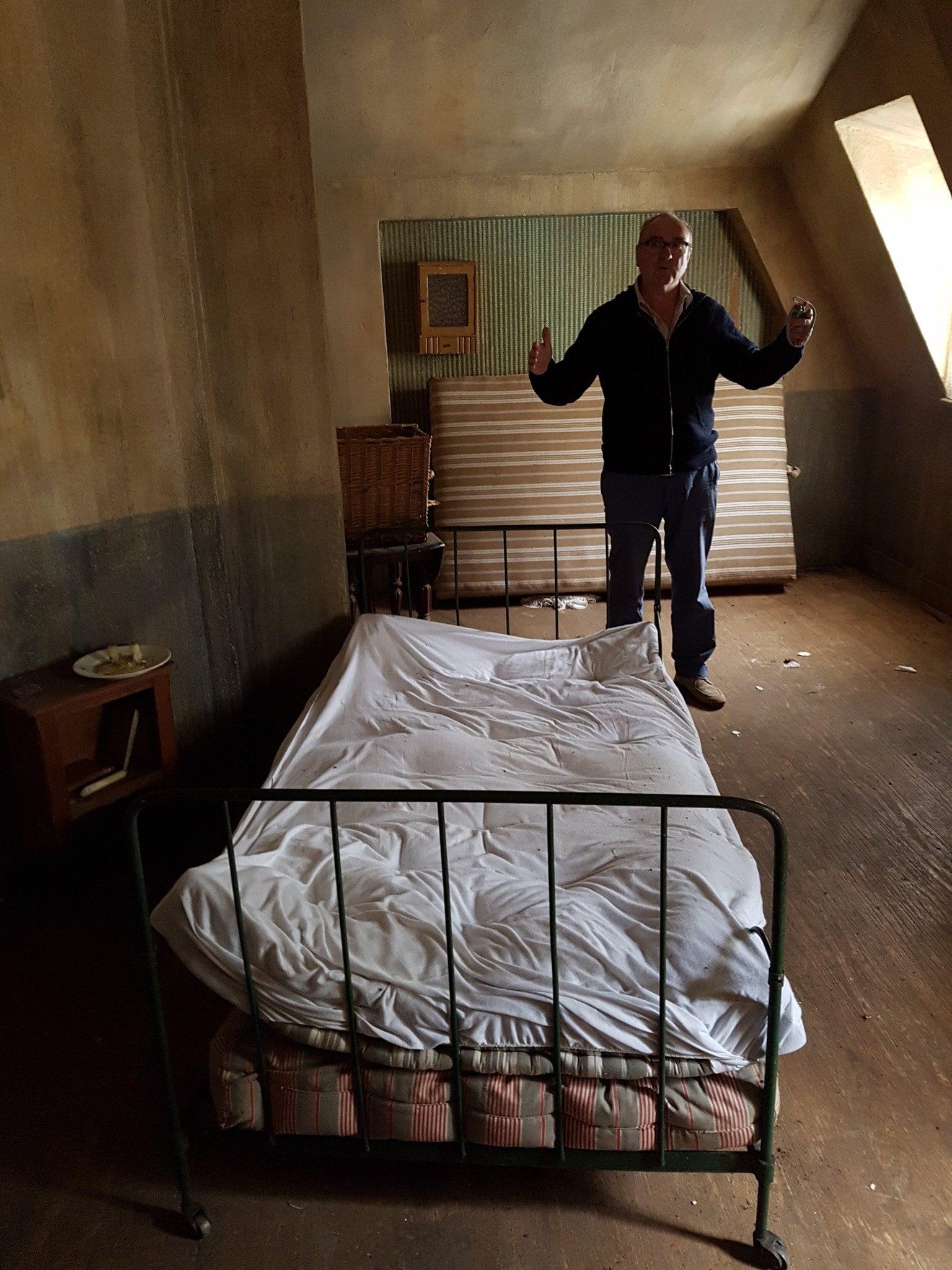 un-village-francais-image-chambres-jean-marchetti-ezechiel-et-eliane-1