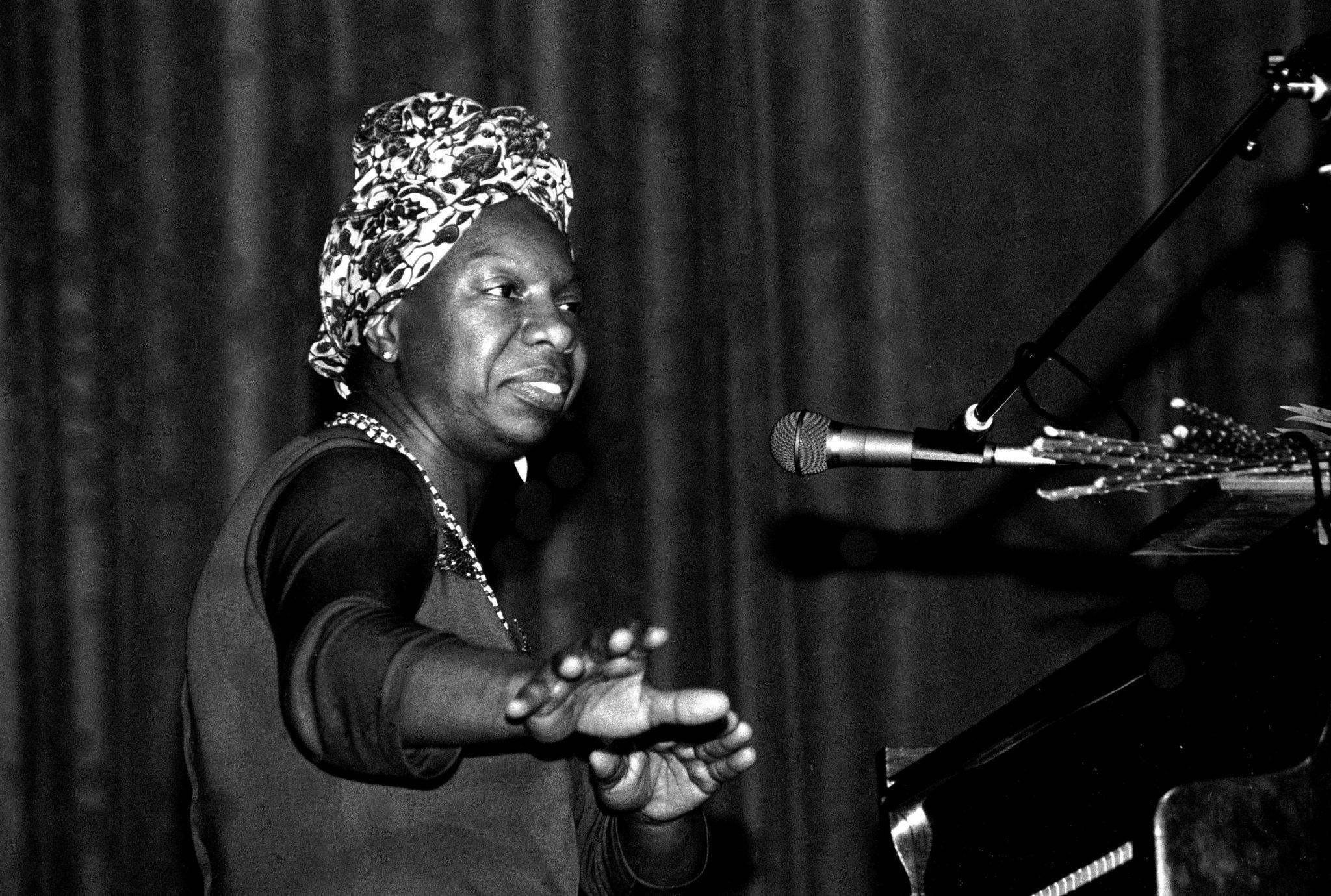 La chanteuse américaine Nina Simone en concert à Morlaix (Bretagne, France) en mai 1982