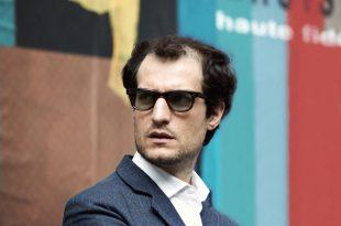 Le redoutable critique film Louis Garrel