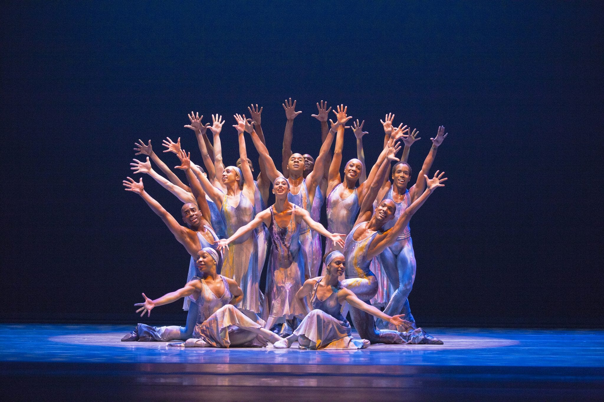 Les Etés de la Danse Alvin_Ailey_American_Dance_Theater_in_Alvin_Ailey_s_Night_Creature._Photo_by_Gert_Krautbauer_5_