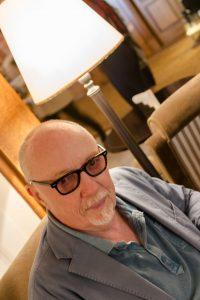 Terry George réalisateur de La Promesse