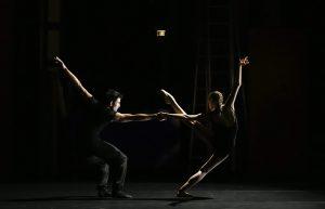 Hors Cadre (c) Julien Benhamou avec Takeru Coste, Clémence Gross