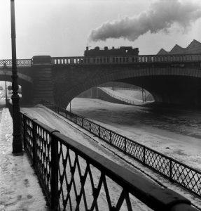 Robert Doisneau (Nouvelle édition) par Brigitte Ollier image Sur le Canal Saint Denis, 1954 HD
