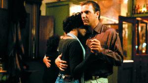 Whitney Houston et Kevin Costner dans le film Bodyguard