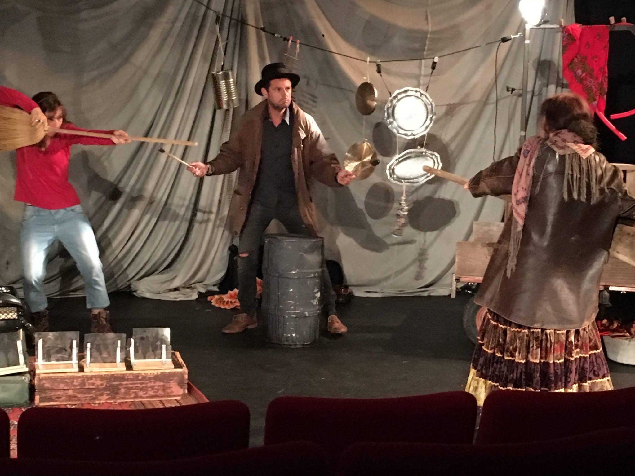 Nous tsiganes de la compagnie du Theatre du Loup Blanc photo 2