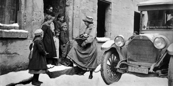 Anne Morgan, une Américaine sur le front de Sylvain Bergère image Visite population (c) Fonds Anne Morgan, Musée franco-américain du château de Blérancourt, Ministère de la Culture