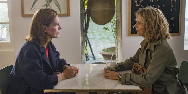 """Karin Viard et Carole Bouquet dans """"Voyez comme on danse"""""""