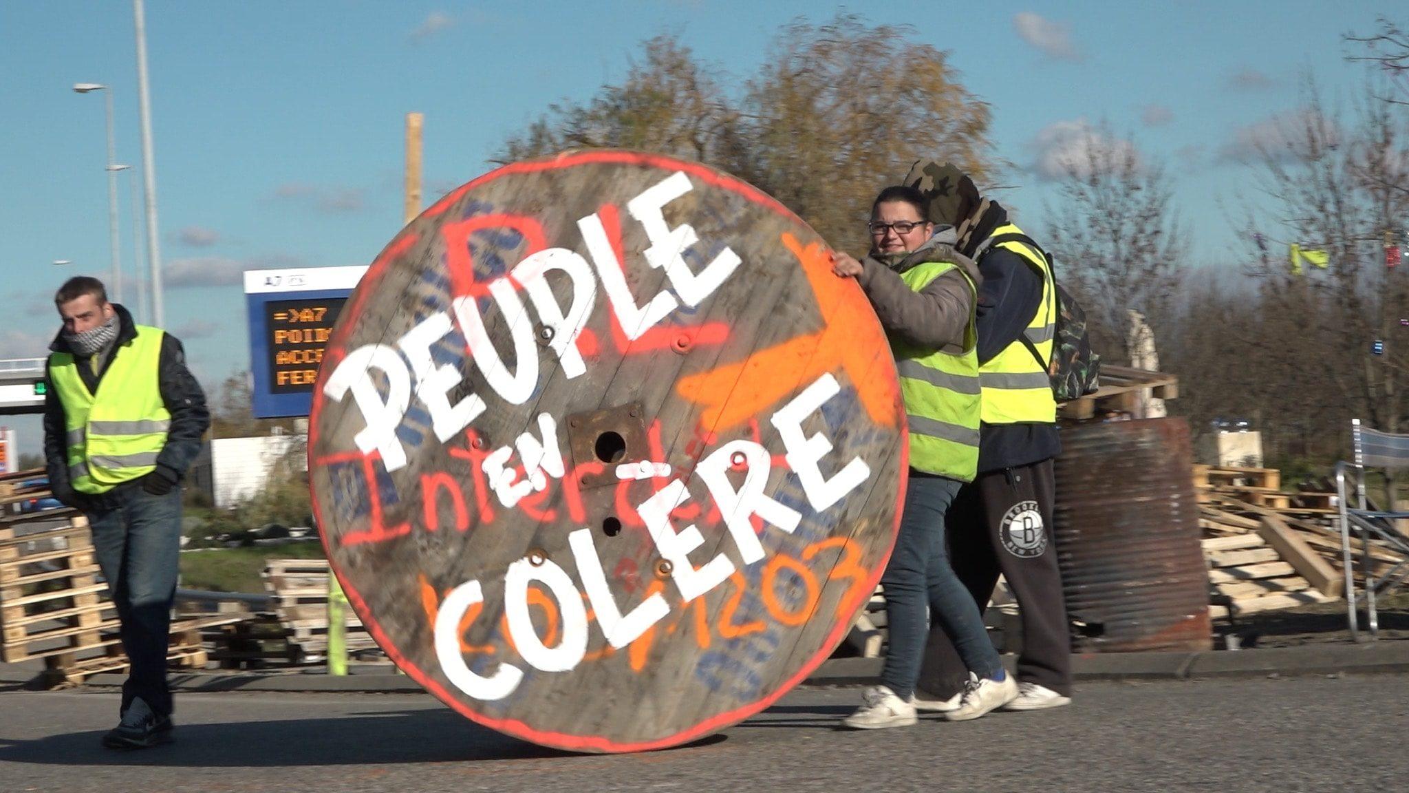 J'veux du soleil de Gilles Perret et François Ruffin image Peuple en colère film documentaire cinéma
