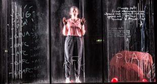 Atomic man, chant d'amour de Lucie Rébéré et Julie Rossello Rochet image spectacle