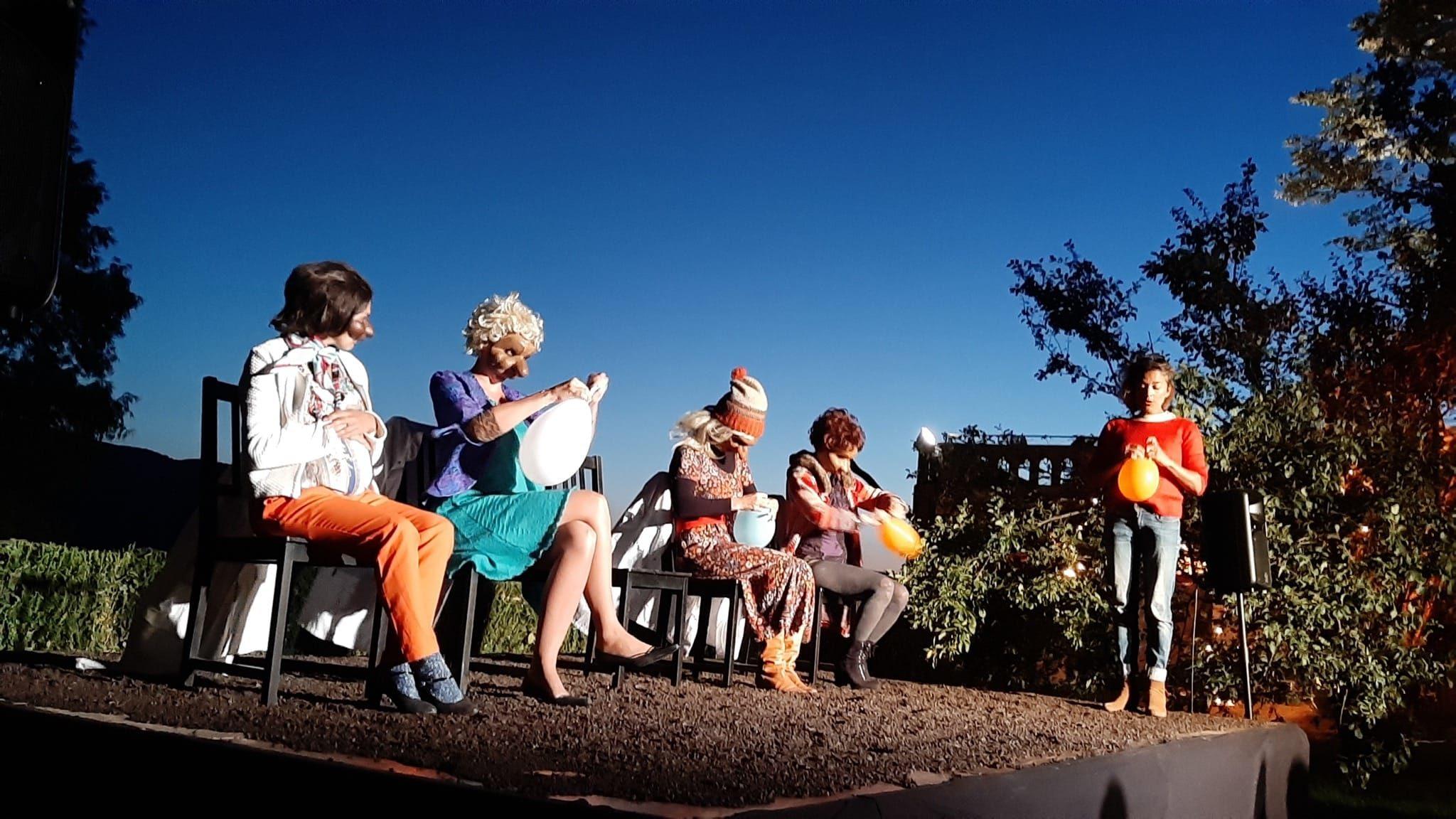Naissance(s) du collectif Femme Totem image théâtre contemporain