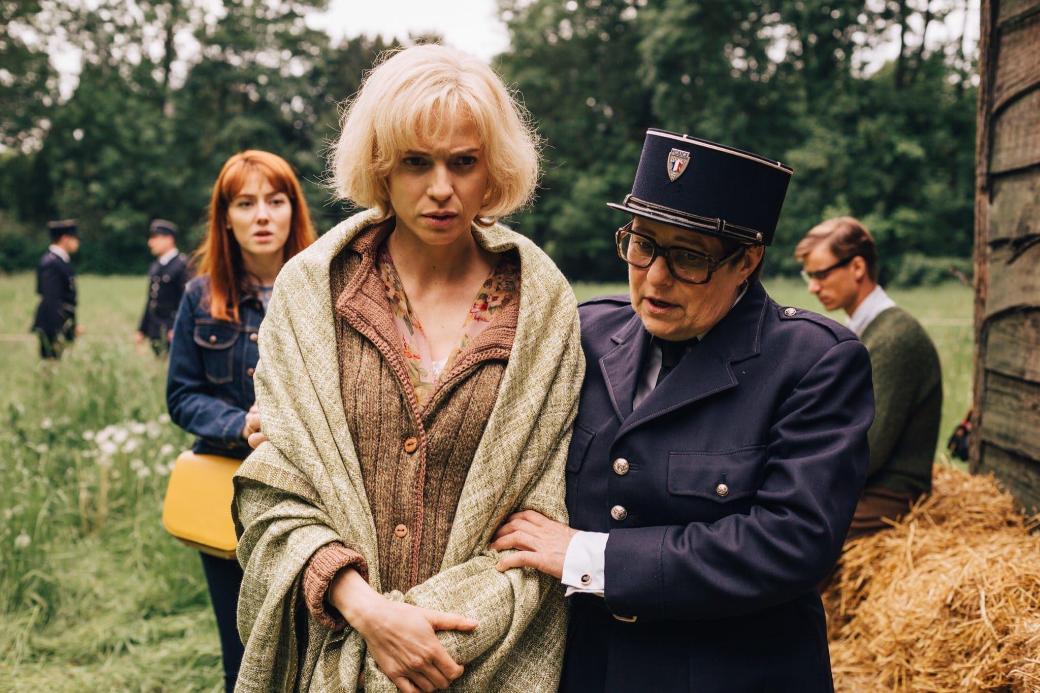 Les Petits Meurtres d'Agatha Christie épisode Ding Dingue Dong image série télé
