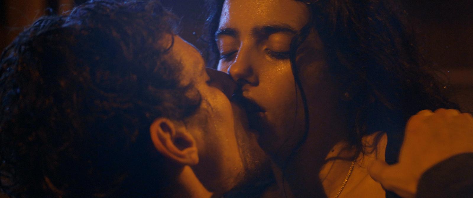 Tu mérites un amour - Photo Hafsia Herzi critique avis film