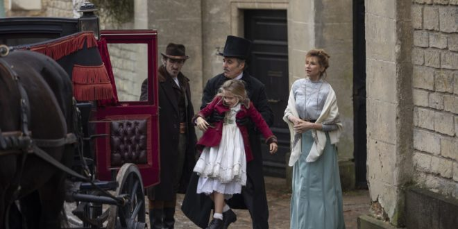 Le Bazar de la Charité de Catherine Ramberg et Karine Spreuzkousk image série télé
