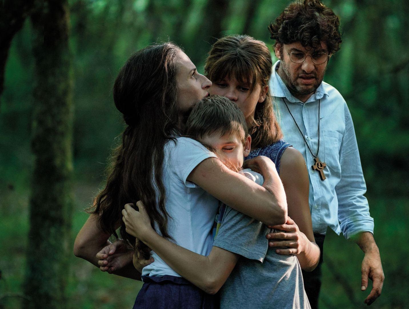 Les Éblouis - Photo Camille Cottin, Céleste Brunnquell, Eric Caravaca critique film