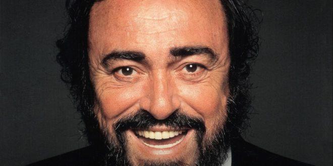 Pavarotti affiche critique avis