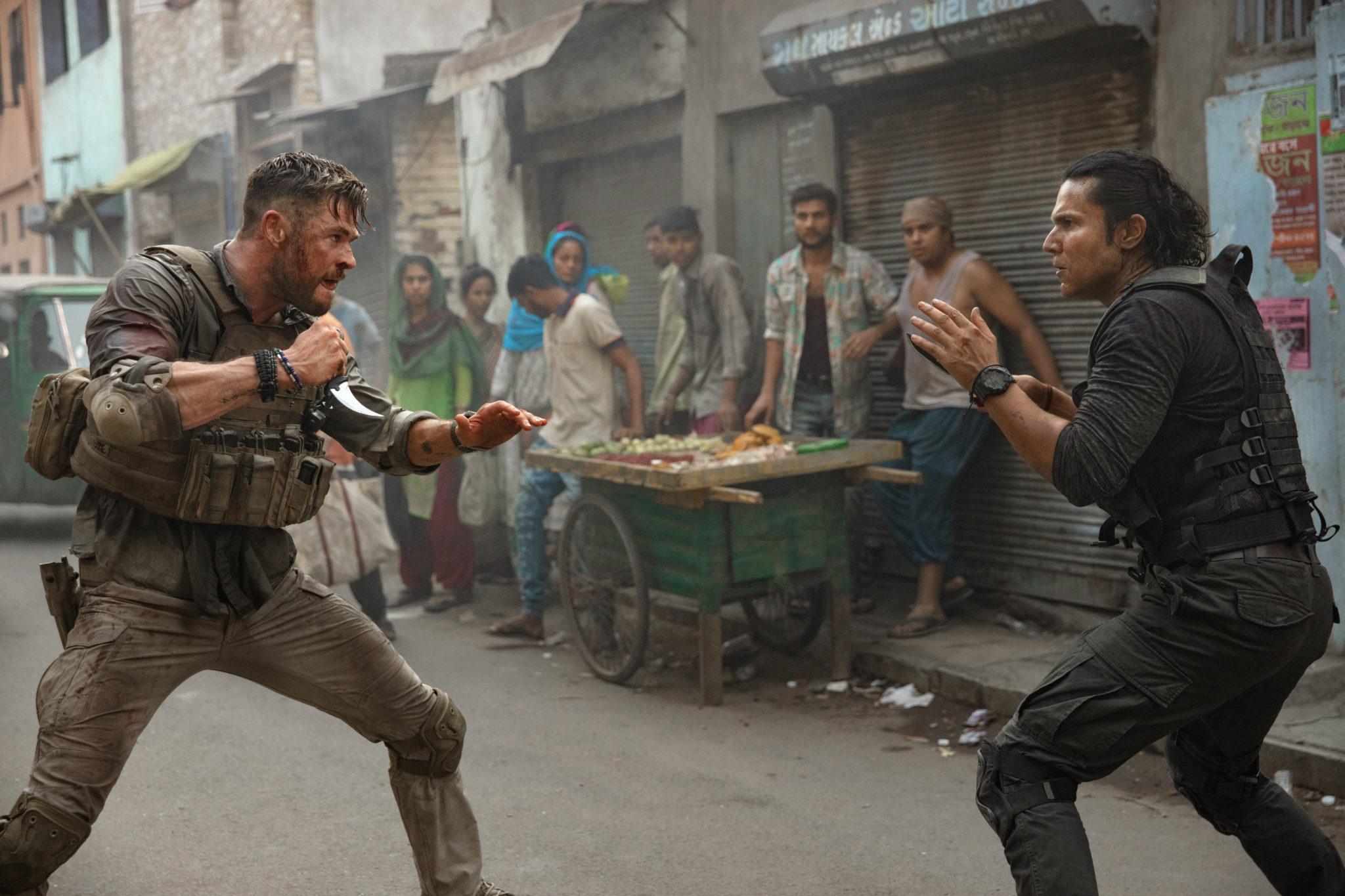 Tyler Rake Chris Hemsworth photo film Netflix