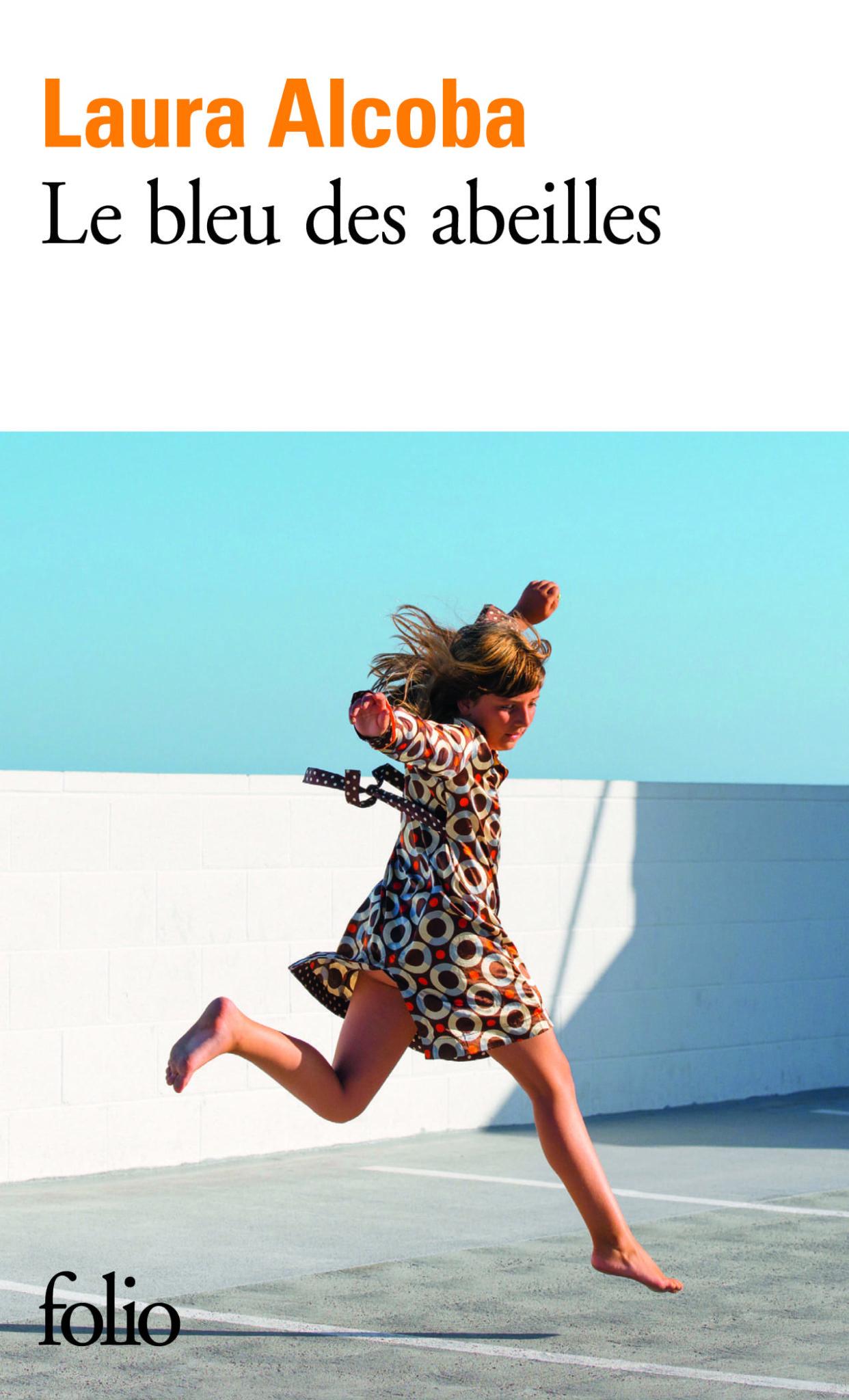 Le bleu des abeilles de Laura Alcoba image couverture livre
