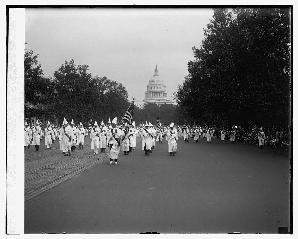 Ku Klux Klan, une histoire américaine de David Korn-Brzoza image documentaire