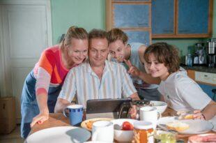 Parents à perpétuité (2021) de Florian Schwarz image téléfilm
