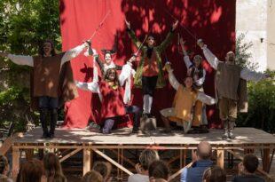 """Les Trois Mousquetaires"""" par la Cie Aller-Retour Théâtre photo pièce de théâtre"""
